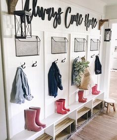 Ok my mud room would never look this clean-three boys have a way of tornado-ing (I will make up my own word) through everything. But I love this space. Via @cottonstem