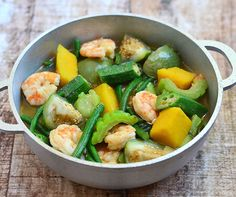 Ginisang gulay-A delicious medley of Asian vegetables sauteed in fish sauce with shrimp