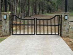 Choosing the Best Automatic Gate for your Home http://www.TexasBestFence.com #AutomaticaGate #GateDesign