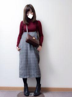 こんにちわ🌼 シンプルコーデになりました(ㆀ˘・з・˘) トップスは赤のタートルです😄 スカート