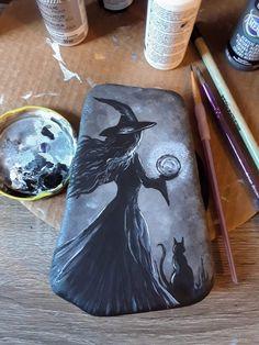 Stone Art Painting, Feather Painting, Autumn Painting, Pebble Painting, Pebble Art, Rock Painting Patterns, Rock Painting Designs, Halloween Rocks, Halloween Art
