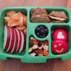 5 Quick & Easy Back-to-School Bento Lunch Box Ideas Easy Lunch Boxes, Bento Box Lunch, Lunch Ideas, Bento Kids, Bento Lunchbox, Kids Lunch For School, School Lunches, Veggie Cakes, Sons