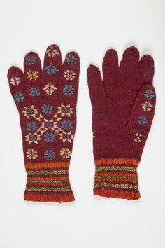 Tarvastu roos/The Rose of Tarvastu Crochet Hand Warmers, Handicraft, Mittens, Diy And Crafts, Gloves, Knitting, Rose, Knits, Socks