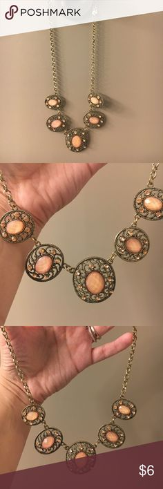 Pink and Gold Statement Necklace Nice and lightweight! Good condition. Jewelry Necklaces