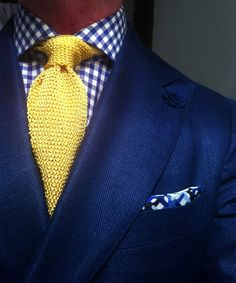 Now, this I really like for a summer's evening out  The cornsilk yellow tie really set's it off. Linen jacket, gingham dress shirt and knitted tie