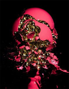Beautiful high speed photo series of exploding light bulbs from American photographer Jon Smith AMAZING High Speed Photography, Amazing Photography, Art Photography, Beautiful Lights, Beautiful Artwork, Beautiful Things, Beautiful Pictures, Dna Art, Colossal Art