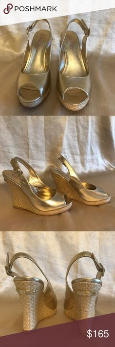 USED ONCE LILLY PULITZER KRISTIN GOLD WEDGE SHOES 💯 Authentic Lilly Pulitzer Gold Metallic Leather Wedge Sandals.Used once in very good condition.Stored in an air conditioned room.Pet free & smoke free.Size 5 MSRP$198 now $165 only!🌸🌸🌸 this beautiful sandals can be paired up to different kinds of clothing & materials. Best to wear this summer! Lilly Pulitzer Shoes Wedges