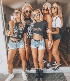 Look festival ❤ Festival Looks, Festival Mode, Festival Wear, Acl Festival, Festival Shorts, Coachella Festival, Cochella Outfits, Mode Outfits, Fashion Outfits