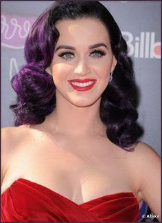 37 Cute Curly Hairstyles for Women Cute Curly Hairstyles, Bob Hairstyles, Curly Hair Styles, Hairstyle Ideas, Katy Perry Unconditionally, Katy Perry Wallpaper, Katy Perry Hot, Katy Perry Pictures, Rockabilly Hair