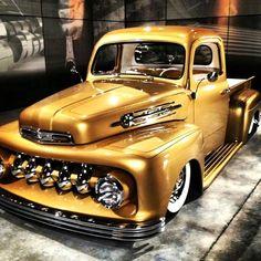 pick ups #trucks Hot Rod Trucks, Cool Trucks, Cool Cars, Custom Trucks, Custom Cars, Old Ford Trucks, Lifted Trucks, Lifted Ford, 4x4 Trucks
