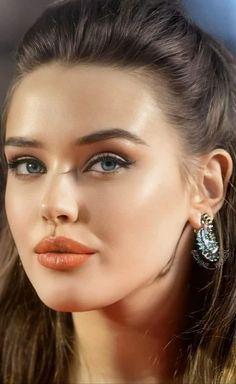 Pretty Woman, Lips, Portrait, Face, Model, Beauty, Beautiful, Hot, Sweet