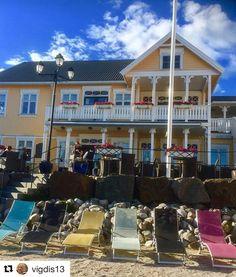 Lyngør hotelltips. #reiseliv #reisetips #reiseblogger #reiseråd  #Repost @vigdis13 (@get_repost)  Nice place to visit #bokhotellet #visitlyngør #hotellife #colorful