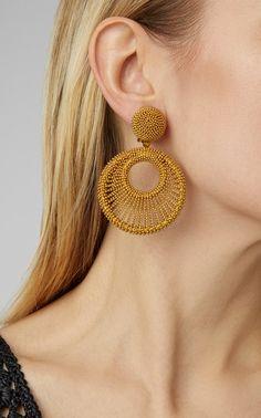 Get inspired and discover Oscar de la Renta trunkshow! Shop the latest Oscar de la Renta collection at Moda Operandi. Indian Jewelry Earrings, Fancy Jewellery, Jewelry Design Earrings, Gold Earrings Designs, Ear Jewelry, Fashion Earrings, Gold Jewelry, Fashion Jewelry, Clip Earrings