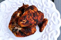 Delicious fall-off-the-bone rotisserie style chicken done in your crockpot! A few tips and tricks help make this the best chicken you'll ever eat! Crock Pot Slow Cooker, Crock Pot Cooking, Slow Cooker Recipes, Crockpot Recipes, Chicken Recipes, Cooking Recipes, Crock Pots, Cooking Games, Ww Recipes