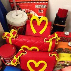 #fastfood @Mo Schino accessories Anna Dello Russo