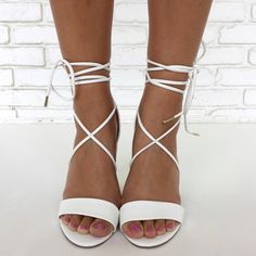 Wrap City Heels in White Classy Outfits, Outfits For Teens, New Outfits, Trendy Outfits, Low Waist Jeans, Loose Fit Jeans, Online Boutique Stores, Trendy Jeans, Teen Fashion
