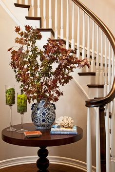 1000 images about home ideas on pinterest moldings for Round foyer table decorating ideas