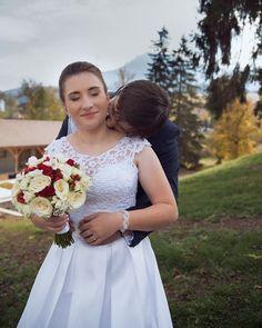 "Páči sa mi to: 72, komentáre: 4 – Amy Klusová Sivčáková - Foto (@amyklusovasivcakovafotografie) na Instagrame: ""B&J ❤️ #love #nikon #nikond750 #d750 #photo #photographer #photoshoot #couple #rustic #provance…"" Girls Dresses, Flower Girl Dresses, Nikon, Wedding Dresses, Instagram, Fashion, Pray, Dresses Of Girls, Bride Dresses"