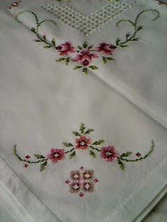 Romans z szydełkiem Drawn Thread, Thread Work, Romans, Bargello, Fabric Patterns, Hand Embroidery, Cross Stitch Patterns, Elephant, Diy Crafts