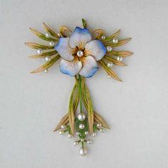 Art Nouveau Flower Pendant, circa 1900, America