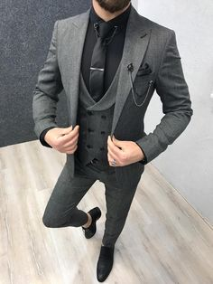 Vental Gray Slim Fit Suit is part of Wedding suits men grey - Collection Spring Summer 19 Product SlimFit Suit Color Code Gray Size 464850525456 Suit Material wool, polyester, lycra Machine Wa Grey Slim Fit Suit, Black Suit Men, Slim Fit Tuxedo, Grey Suits, Men's Suits, Traje Slim Fit, Terno Slim Fit, Paul Gray, Dress Suits For Men