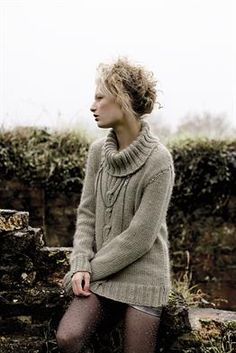 Knit Nippy, a ladies chunky roll neck sweater from Rowan Knitting and Crochet Magazine designed by Amy Herzog using the beautiful yarn Cocoon. Rowan Knitting, Rowan Yarn, Sweater Knitting Patterns, Knitting Sweaters, Women's Sweaters, Free Knitting, Crochet Patterns, Rowan Cocoon, Diy Pullover