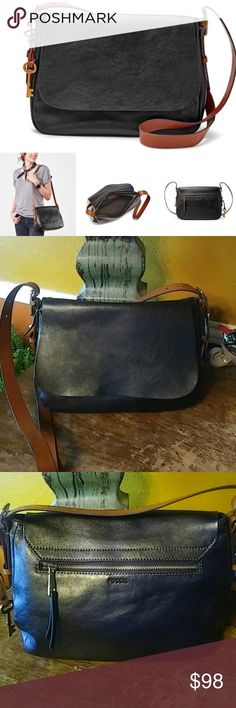 Fossil Harper Saddle Crossbody Style made simple- Harper is your sleek shoulder companion with convenient interior pockets and an adjustable Crossbody strap. Fashionably organized, indeed. Larger size. Small slit on bottom and interior is a little dirty as pictured. Fossil Bags Crossbody Bags