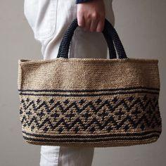 [Envelope online shop]Crochet Tote KIT – – Purses And Handbags Totes Crochet Tote, Crochet Handbags, Crochet Purses, Sacs Tote Bags, Handbags Online Shopping, Reversible Tote Bag, Jute Bags, Basket Bag, Purse Patterns