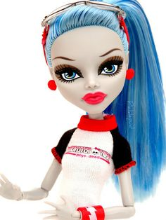 Monster High Ghoulia Yelps™.