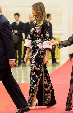 We chart the style and beauty evolution of America's First Lady Melania Trump Dress, First Lady Melania Trump, Trump Melania, Celebrity Outfits, Celebrity Style, Donald Trump Facts, Melina Trump, Perrie Edwards Style, Divas