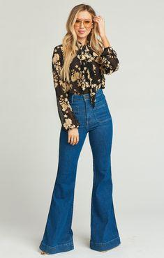Women's New Arrival Clothing & Latest Boho Styles Show Me Your Mumu Blaine Top ~ Night Blossom 70s Outfits, Hippie Outfits, Jean Outfits, Chic Outfits, Fashion Outfits, Fashion Games, Fashion Boots, 70s Inspired Fashion, 70s Fashion