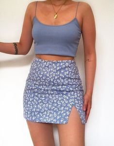 cute outfits for school . cute outfits with leggings . cute outfits for women . cute outfits for school for highschool . cute outfits for winter . cute outfits for spring Teenager Outfits, Girly Outfits, Cute Casual Outfits, Pretty Outfits, Stylish Outfits, Vintage Outfits, Casual Dresses, Casual Chic, Cute Outfits With Skirts