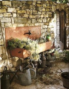 help myself Copper sink, stone wall, watering cans. Can I have this corner in my garden please?Copper sink, stone wall, watering cans. Can I have this corner in my garden please? Outdoor Garden Sink, Outdoor Sinks, Outdoor Gardens, Dream Garden, Garden Art, Garden Totems, Garden Sheds, Gazebos, Purple Home
