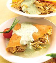 Abanicos de pollo con salsa de cilantro Aprende a preparar estas fabulosas crepas y sorprende a toda tu familia.
