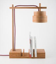 Schreibtischlampe aus Holz mit Buchstütze / wooden desk lamp with book keeper made by mairaum via DaWanda.com