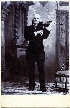 Ole Bull playing the violin   Hunzinger Chair