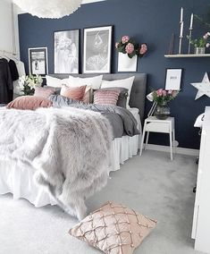 Blue Bedroom Ideas - Set light blue walls with a brilliant silver statement piece for a fantastic unified appearance. Cheer up your blue bedroom by using light blue design as well as white as a Bedroom Makeover, Room Decor Bedroom, Bedroom Decor, Bedroom Colors, Gold Bedroom, Bedroom Interior, Home Bedroom, Blue Bedroom, Rustic Bedroom