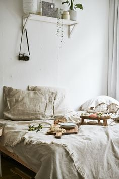 Discover small living room ideas from Yvet's tiny apartment, where she uses her bed as an extra space for hosting and dining with friends. Decoration Ikea, Ikea Home, Tiny Apartments, Piece A Vivre, Slumber Parties, Small Living Rooms, Linen Bedding, Bed Linen, Home Furnishings