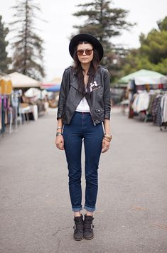 Post image for Shop-able Street Style From LA  So very enjoyably classic LA too