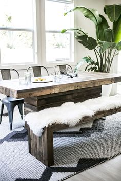 Love the faux fur on the bench