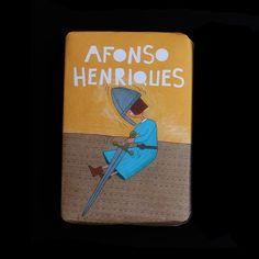 Colecção de sabonetes Primeiro Rei de Portugal que representam 4 fases da vida de Afonso Henriques (criança, guerreiro, casado, coroado Rei de Portugal). Colecção exclusiva da Saboaria e Perfumaria Confiança para a Carapau de Corrida. São sabonetes de 100 gramas com aroma floral.