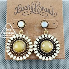 VINTAGE SUNFLOWER LUCKY BRAND EARRING (YELLOW).   :O   for the bridesmaids?! oh but i don't wear earrings LOL...