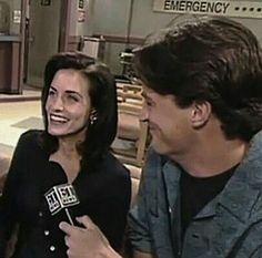 Monica And Chandler, Chandler Bing, Friends Moments, Friends Tv Show, The Cast Of Friends, Friends Behind The Scenes, The Scene Aesthetic, Friends Season 3, Matthew Perry