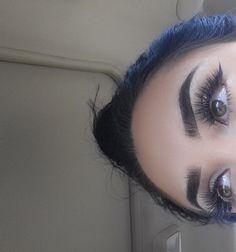 Eyebrow game on point Flawless Makeup, Love Makeup, Skin Makeup, Makeup Tips, Beauty Makeup, Makeup Looks, Hair Beauty, Beauty Bar, Eyebrows Goals