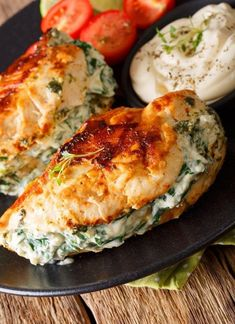 Oh hey, my new Pan Fried Spinach & Cream Cheese Stuffed Chicken. Aren't you a lovely, healthy chicken dish that is fast and simple to prepar. Cream Cheese Spinach, Low Fat Cream Cheese, Cream Cheese Chicken, Fried Chicken Breast, Pan Fried Chicken, Recipe Chicken, Roasted Chicken, Healthy Recipes, Cooking Recipes