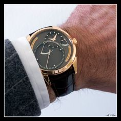 "Independent's day - Grönefeld ""One Hertz"" Dune    I can think of no better way of conveying the charm of horology than this video from Grönefeld.    http://www.escapement.tv/#!filter==64581647"
