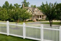 Fence designs for front yards front yard privacy ideas picket fence front yard front yard fence . fence designs for front yards yard Vinyl Picket Fence, White Vinyl Fence, Picket Fence Panels, White Picket Fence, Fence Gate, Vinyl Fencing, Picket Fences, Wood Fences, White Fence