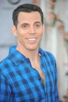 Steve-O- there's something about him. I remember my friends saying noo not Steve-O! But hes just so damn charming in his own way ! Pretty Men, Beautiful Men, Mtv Tv Shows, Steve O, Indie Movies, Ex Husbands, Celebs, Celebrities, Man Humor