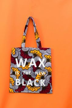 Tote Bag Hibiscus Wax Is The New Black par wax-is-the-new-black - Tote - Afrikrea African Accessories, Bag Accessories, Computer Accessories, Mode Wax, Ankara Bags, African Crafts, African Kids, Diy Sac, Creation Couture