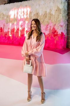 Create and Cultivate Chicago Conference 2018 Erstellen Kultivieren Chicago Pink Wall Festival Themed Party, Dressy Outfits, Dress Casual, Partys, Pink Walls, Event Dresses, Event Styling, Up Girl, Event Design